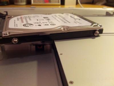 Festplatte Schrauben seitlich MacBook