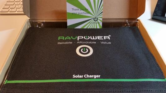 RavPower-Solar-Ladegerät-15Watt-1